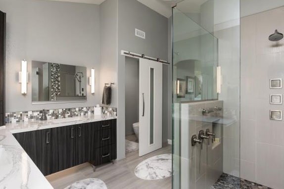 Beautiful bathroom interior with partion of showscreen glass